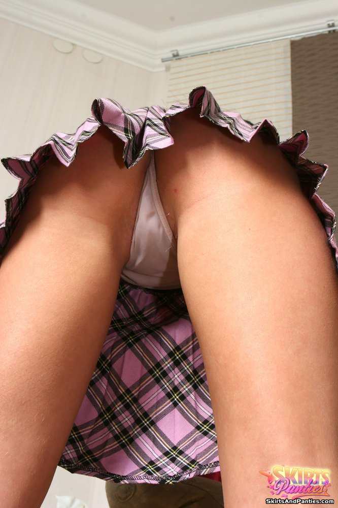 онлайн фото порно под юбкой